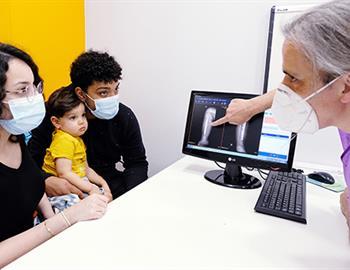 Foto-Caso-Pseudoartrosis-congénita_Dr.-Soldado_HM-Nens.