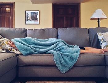 engorda dormir poco?